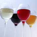 Weingläser mit den Deutschland Farben